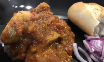 Ranju Indian Recipes - Basic Chicken Curry on the bone or bone less